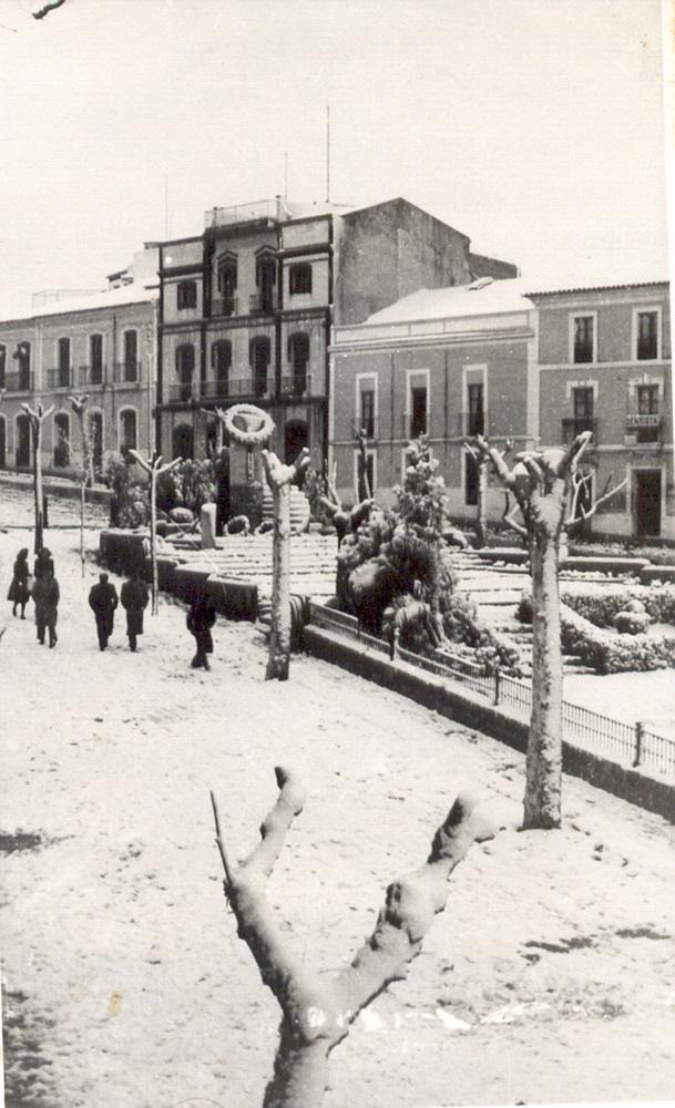 Rambla nevada (1945)
