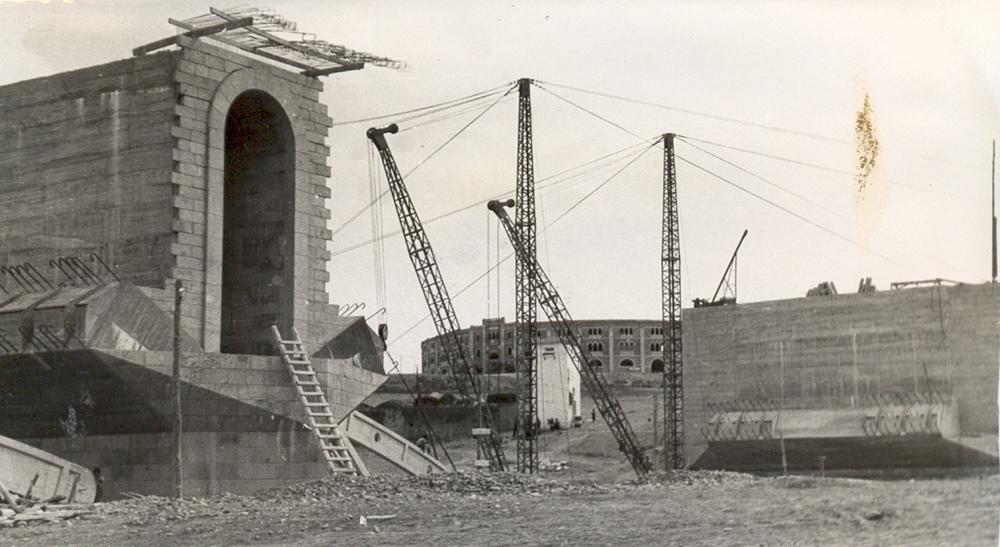 Puente Fernández Casado en construcción (1955)