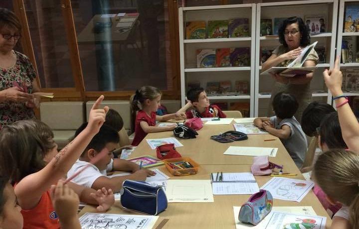 La Navidad llega a las bibliotecas municipales con el taller 'Libros con sabor a Navidad'