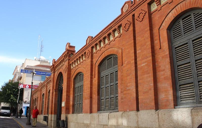 El equipo de Gobierno no va a dejar aparcado el proyecto de reforma del Mercado de Calatrava