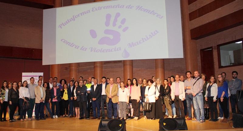 Presentada en Mérida la Plataforma Extremeña de hombres contra la Violencia Machista