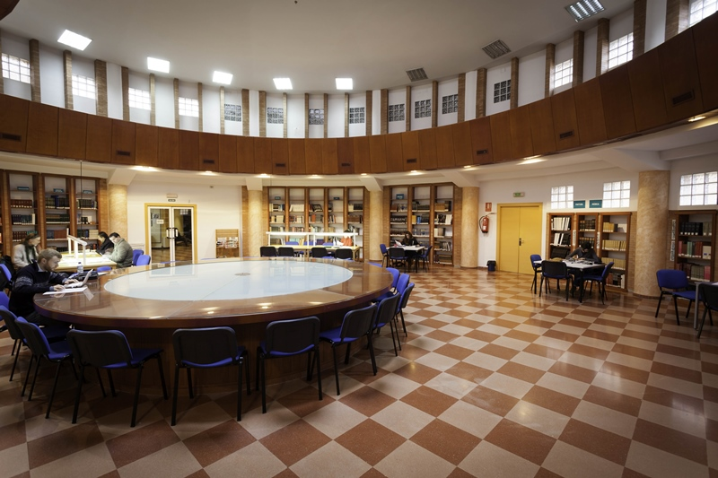 Sala lectura Biblioteca, febrero 2014