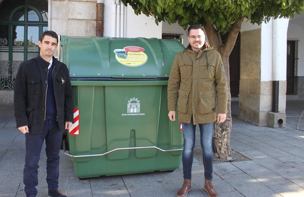 Comienza la renovación de los contenedores de Residuos en las barriadas de Mérida