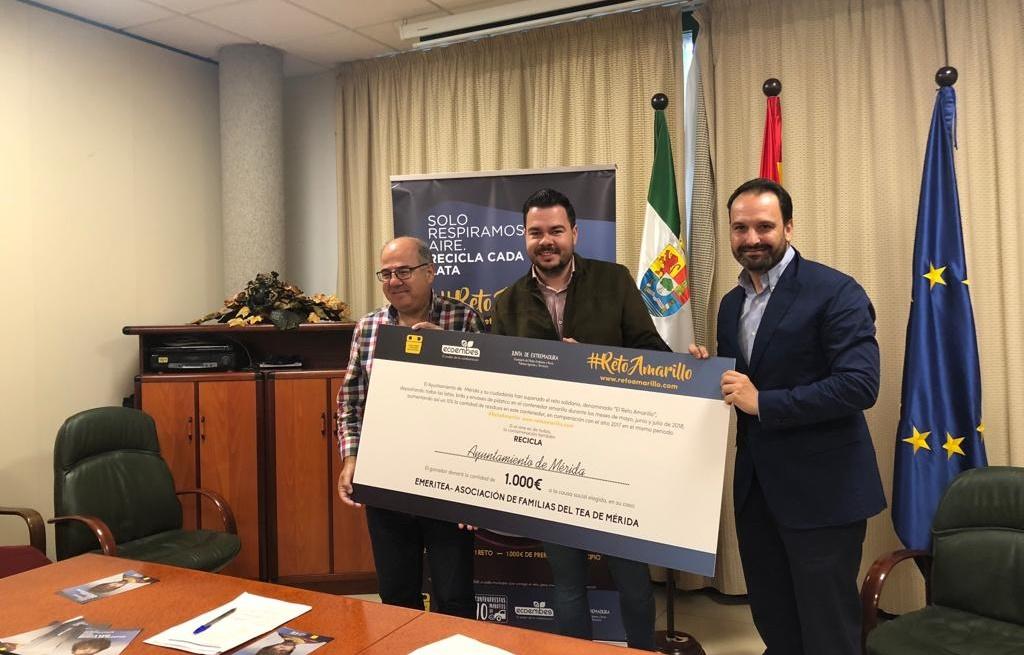 """El Ayuntamiento y los emeritenses reciben el reconocimiento de Ecoembes por superar el """"Reto Amarillo"""""""