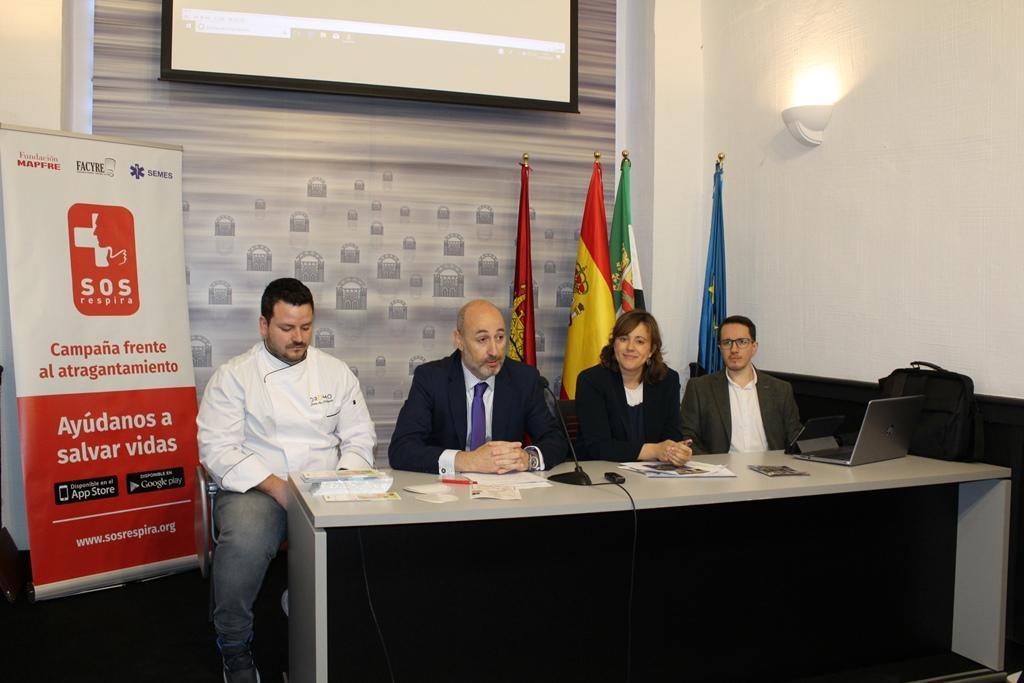 El Ayuntamiento de Mérida promueve junto con Fundación MAPFRE, SEMES y FACYRE, la campaña «SOS RESPIRA»