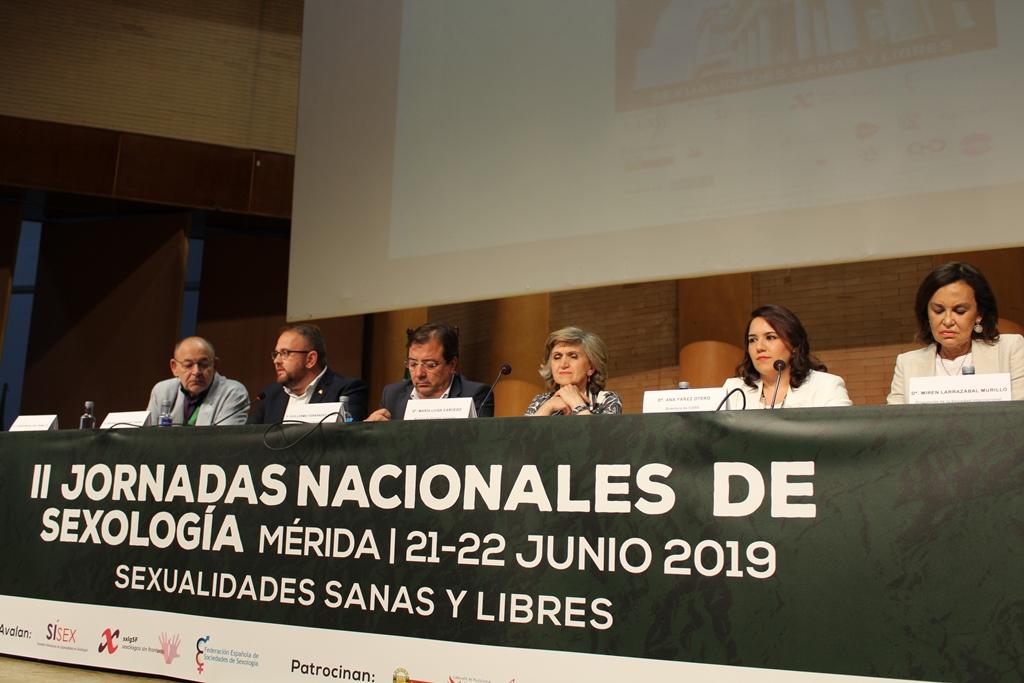 La Ministra de Sanidad, María Luisa Carcedo, inaugura en Mérida las II Jornadas Nacionales de Sexología