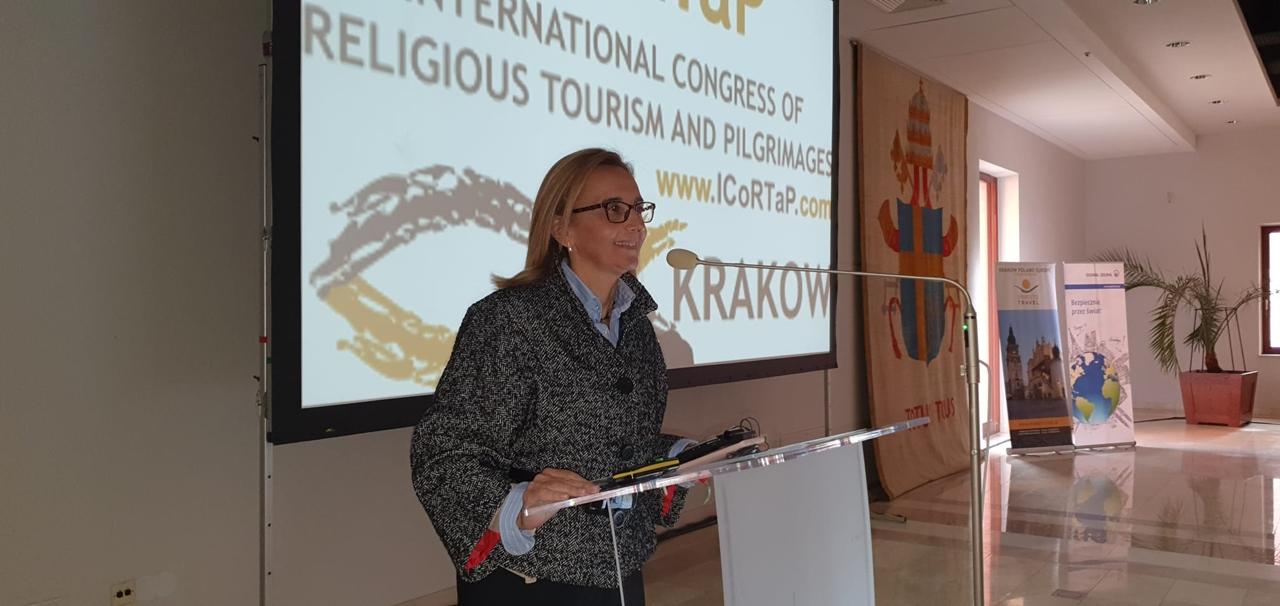 Mercedes-Carmona-en-el-congreso-de-turismo-religioso