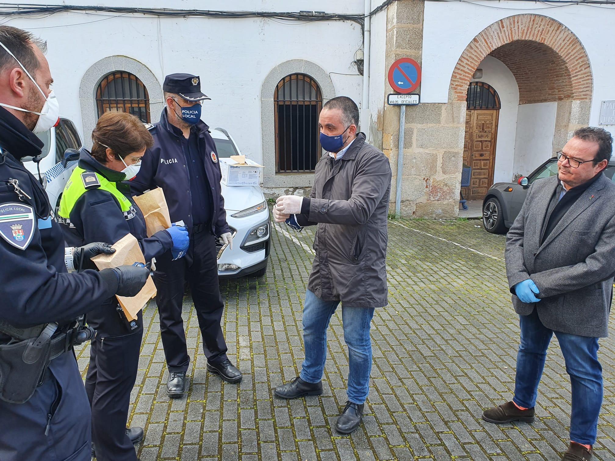Donación mascarillas Policía- Weark Uniformes