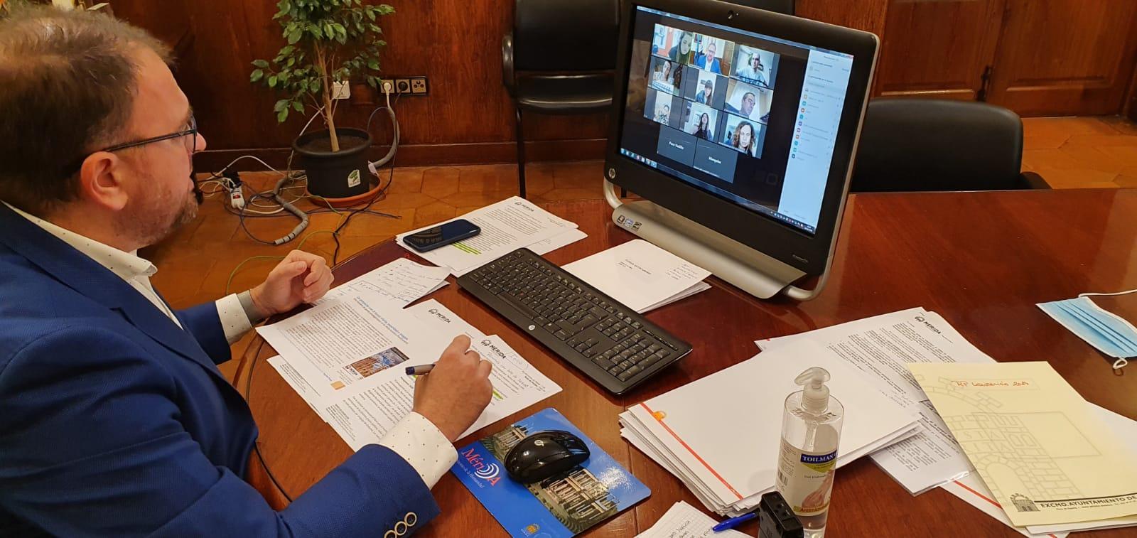 Alcalde videoconferencia