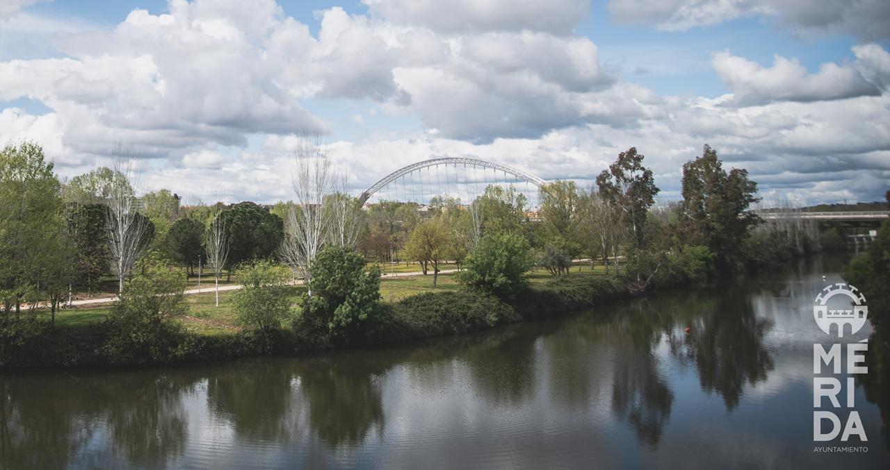 Las mejoras del riego de La Isla y la iluminación del Puente Romano son recepcionadas por el ayuntamiento