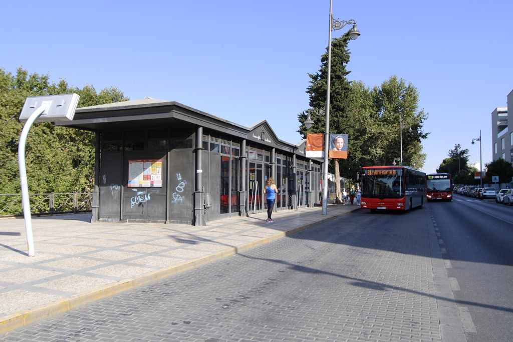 El ayuntamiento de Mérida acondicionará y mejorará varias paradas de autobuses urbanos de la ciudad