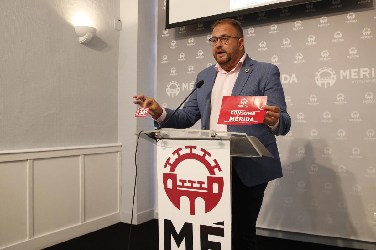 La campaña «Consume Mérida» generará un impacto de más de un millón de euros en el comercio local