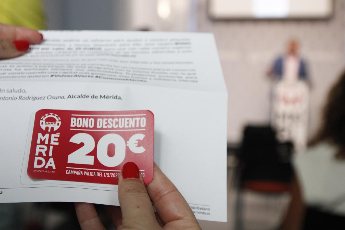 La Junta de Gobierno aprueba las subvenciones al comercio minorista de la campaña Consume Mérida