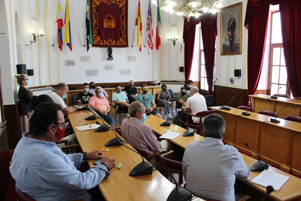El Ayuntamiento ofrece a los empresarios de ocio nocturno cambiar la licencia por la de bares y restaurantes