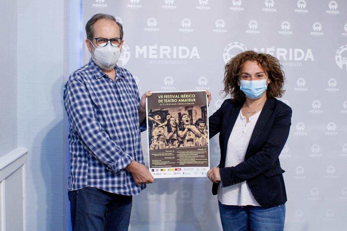 Presentación Festival Ibérico Teatro Amateur Pepe Martínez y Silvia Fernández