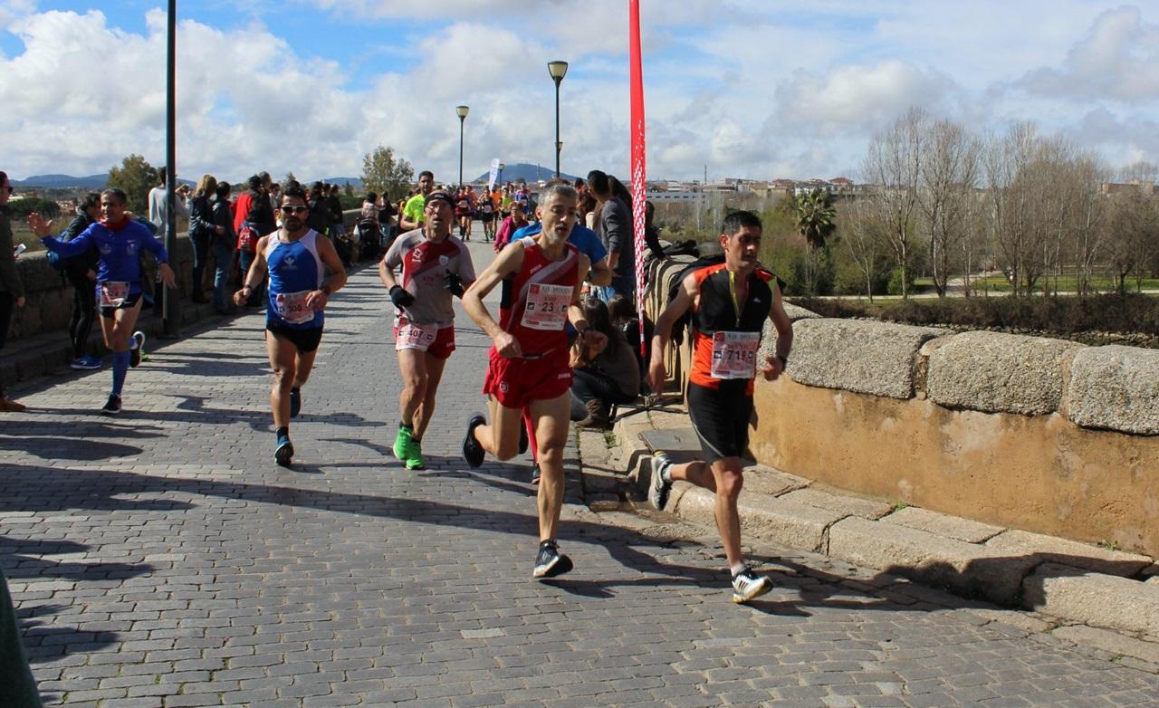La próxima Media Maratón de Mérida se traslada de forma excepcional al próximo 2 de octubre y será una prueba nocturna