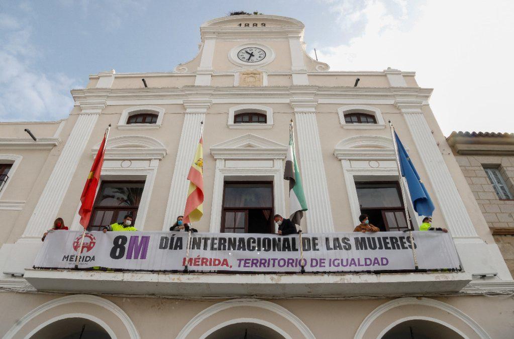 El ayuntamiento se suma a la reivindicación del 8 M y apuesta por la ruptura de la brecha salarial