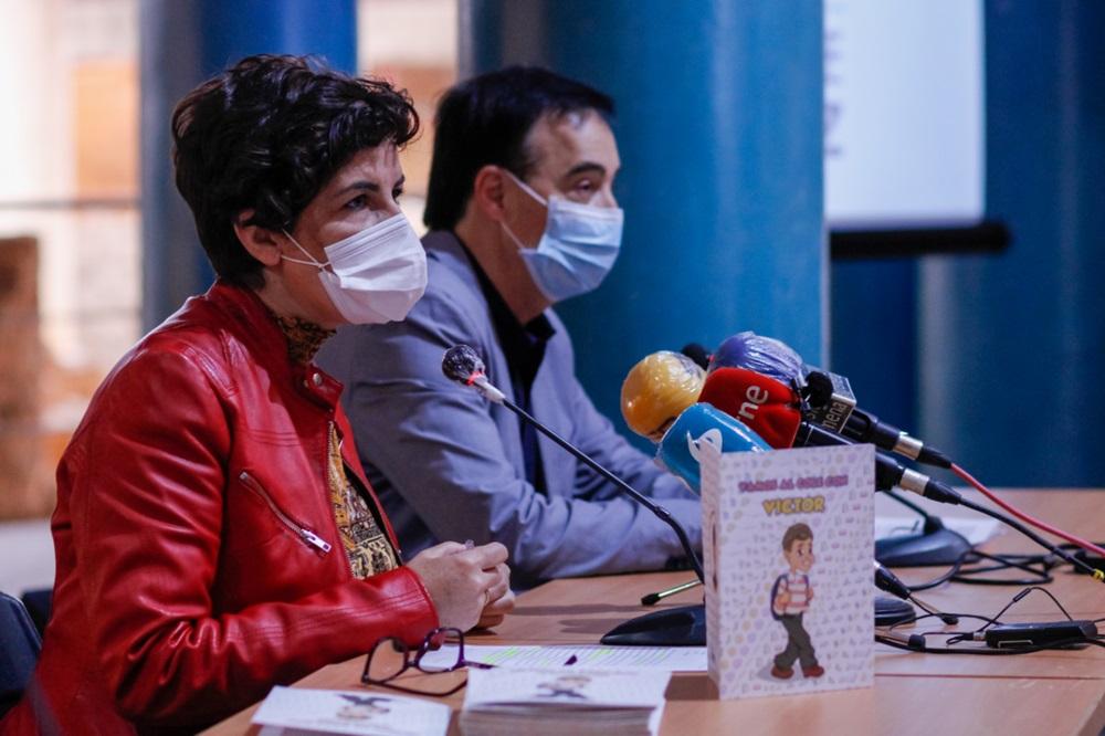 Susana FAjardo en la presentación del libro