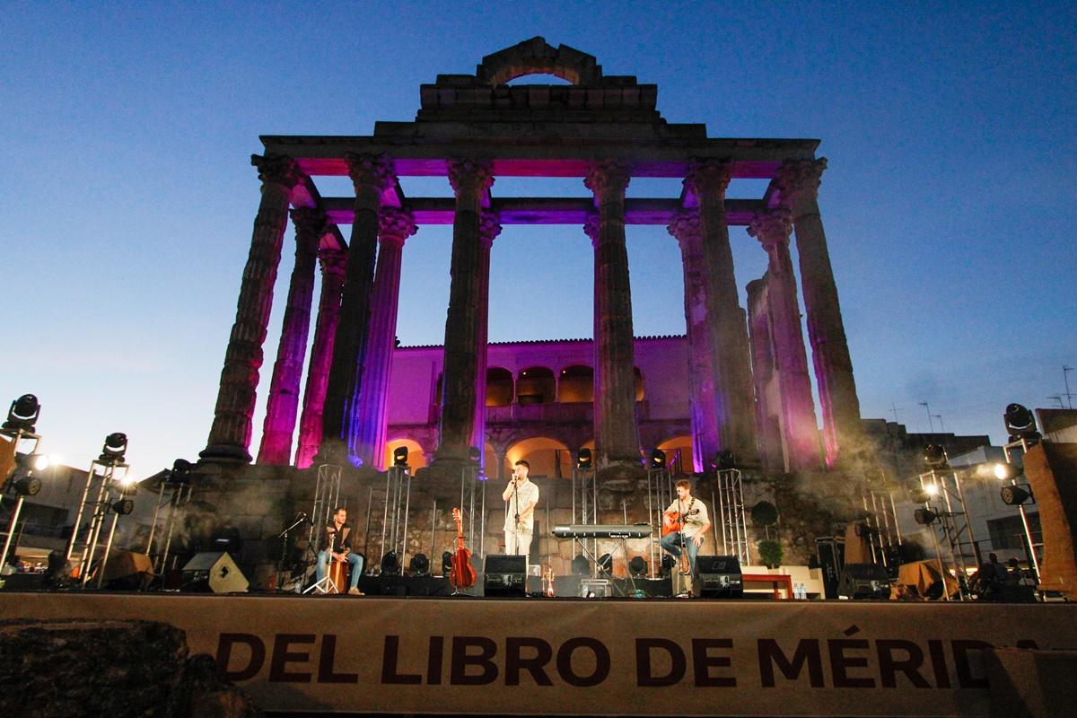 Feria del Libro concierto Antoñito Molina