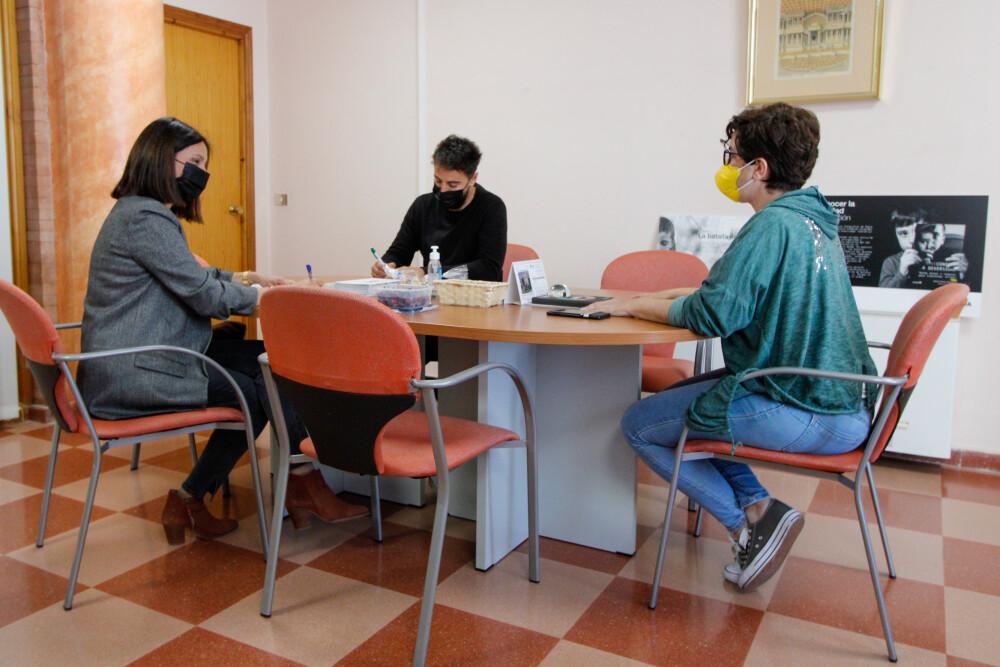 Un momento de la reunión de Susana Fajardo con OACEX y CPR