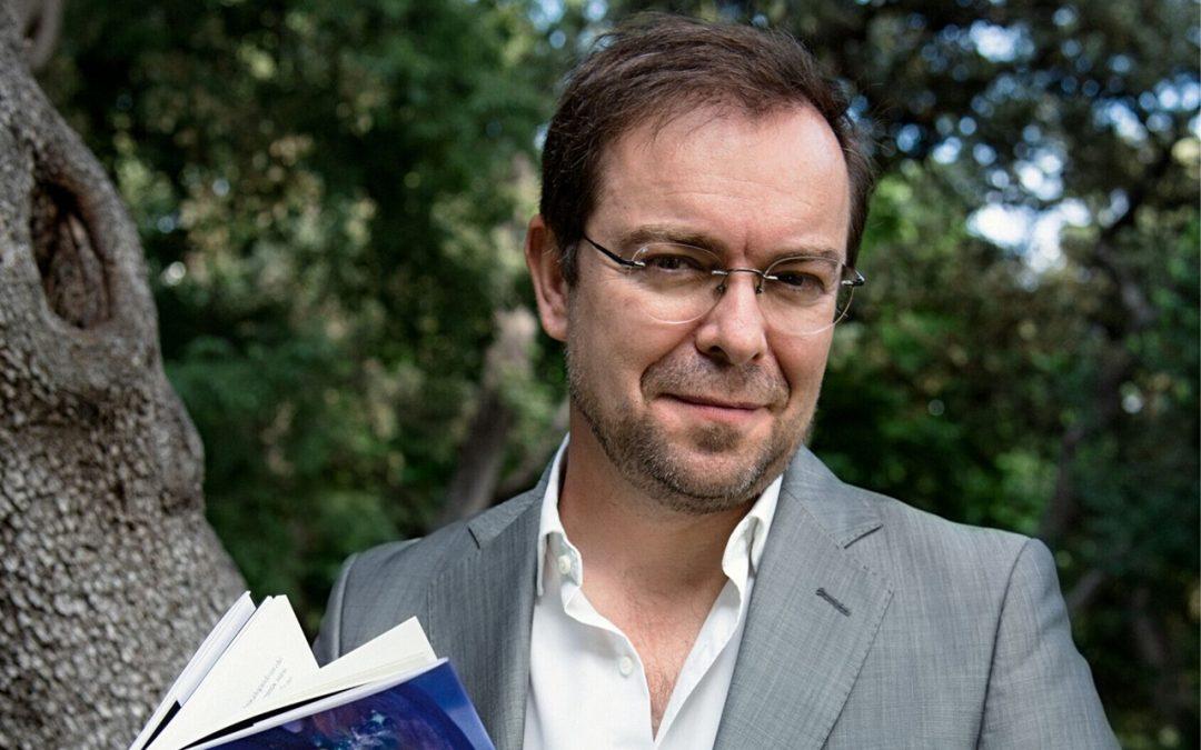 Javier Sierra presenta su última novela en la jornada que clausura la XL edición de la Feria del Libro