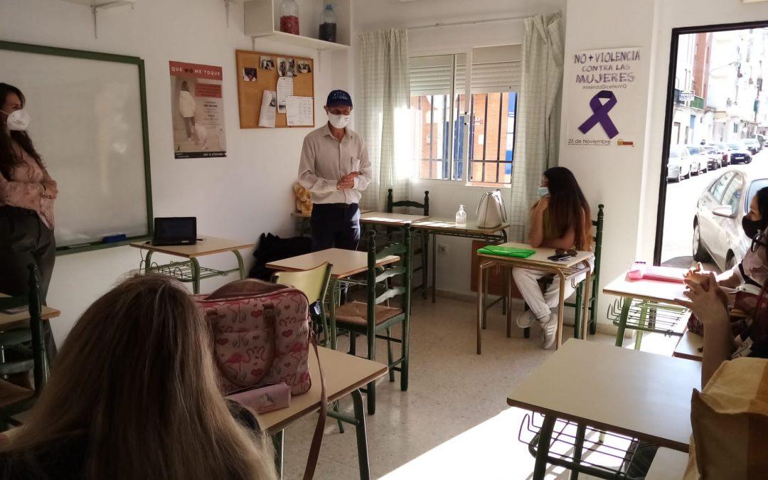 La delegación de Igualdad de Género ha desarrollado talleres de sensibilización con alumnas del Curso de Dependienta de Comercio