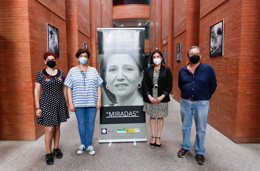 """El Centro Cultural Alcazaba acoge la exposición """"Miradas"""" organizada por FEAFES Salud Mental"""