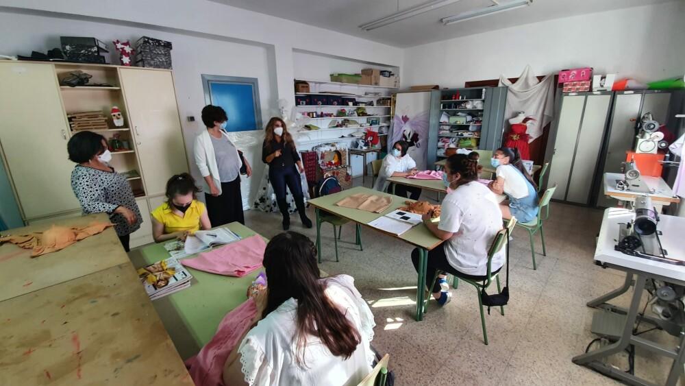 Susana Fajardo en el taller de textil de CEE Emerita Augusta