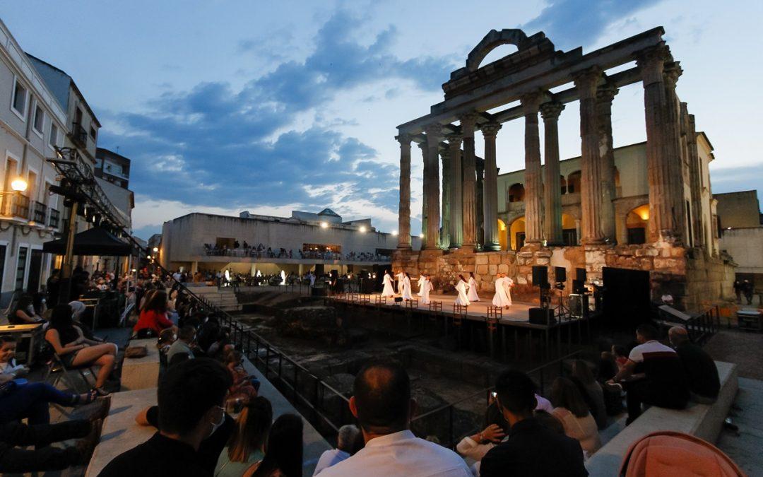 «La Sala El Templo ha vuelto a permitir que la Cultura y el Patrimonio estén unidos en Mérida», subraya Silvia Fernández