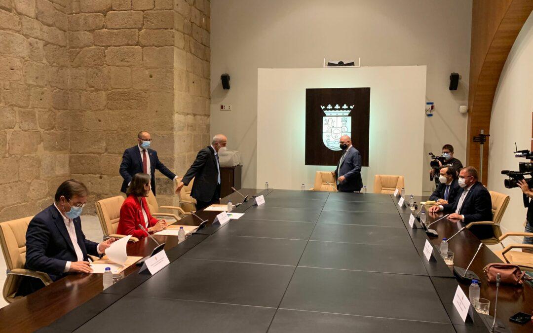 El alcalde, Antonio Rodríguez Osuna, destaca que el proyecto de la Azucarera es esperanzador para el futuro de la ciudad