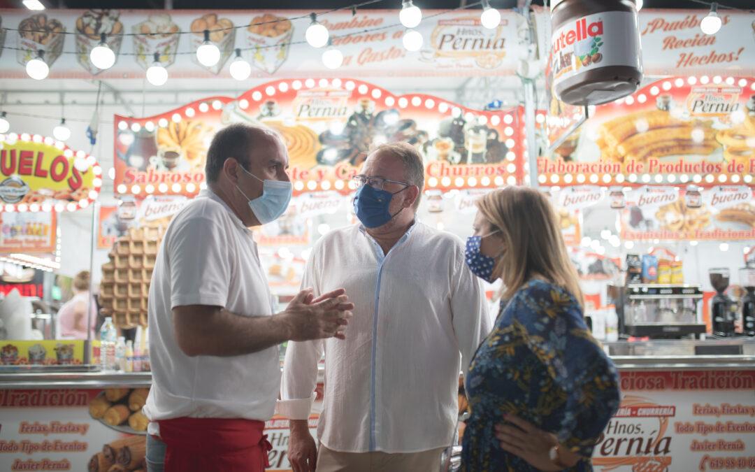 """El alcalde destaca, en la inauguración de la Feria, la labor de los comerciantes que """"han hecho el esfuerzo de sostener el empleo en la ciudad"""""""