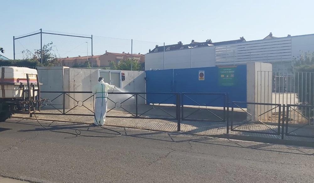 El Ayuntamiento inicia la limpieza y desinfección de los centros escolares de cara al inicio del curso escolar