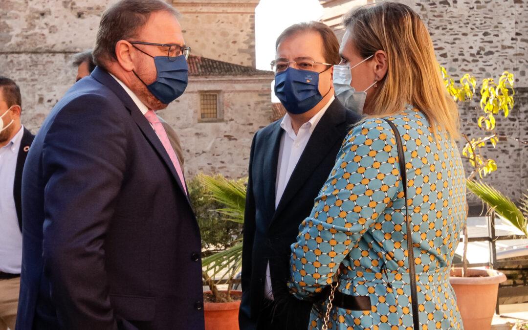 Rodríguez Osuna solicita que parte de los Fondos Europeos de recuperación se destinen a la puesta en valor de nuevos yacimientos en las ciudades y sitios Patrimonio de la Humanidad como Mérida, Cáceres o Guadalupe