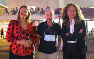 El Ayuntamiento felicita al catedrático Abel Hernández por la concesión de la medalla de Alfonso X El Sabio
