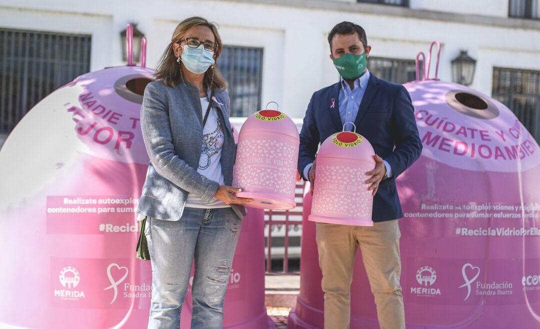 """Ecovidrio instala dos iglús de color rosa para reciclaje dentro de la campaña """"Recicla vidrio por ellas"""""""